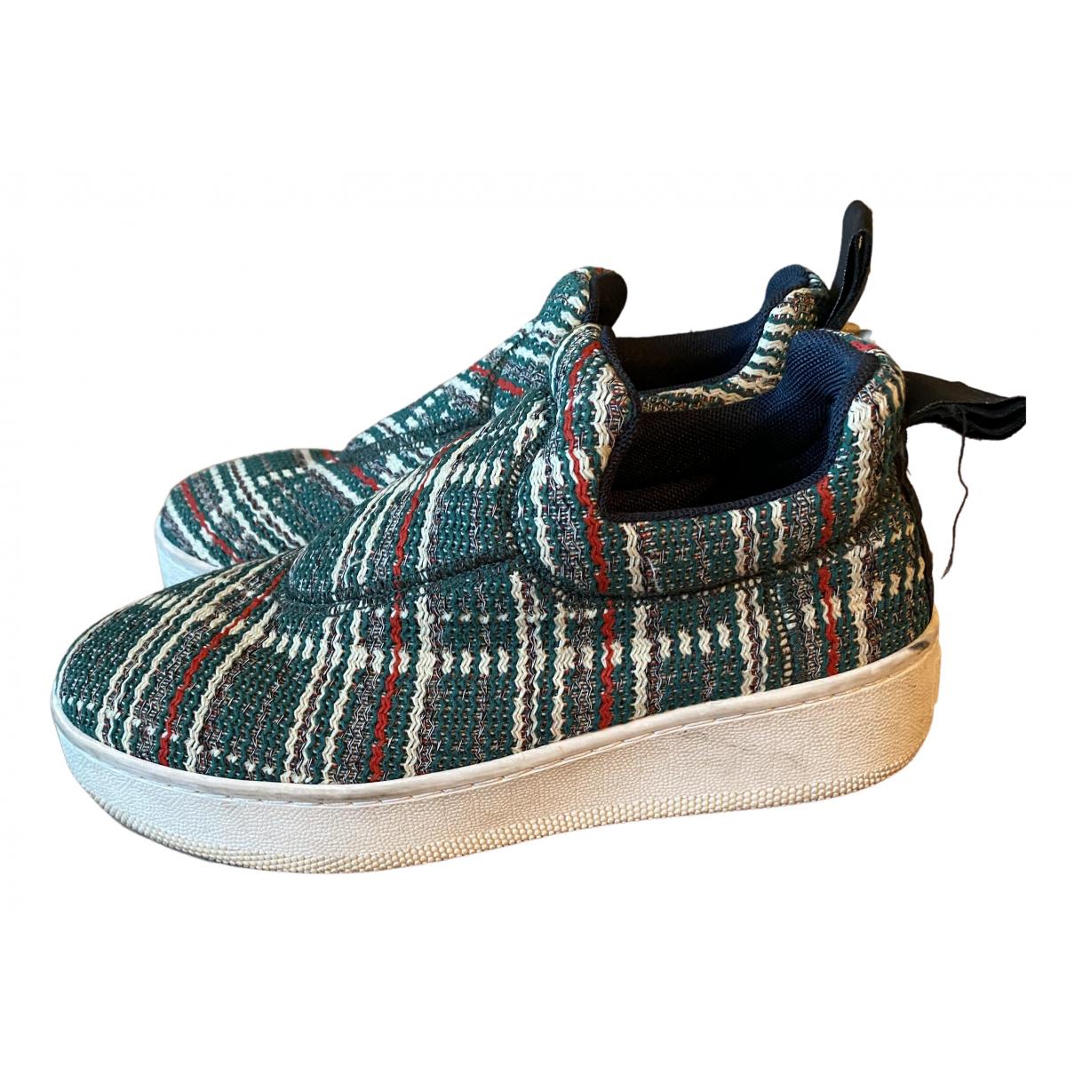 Celine Pull On  Sneakers in  Gruen Leinen