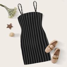 Maedchen Kleid mit Streifen
