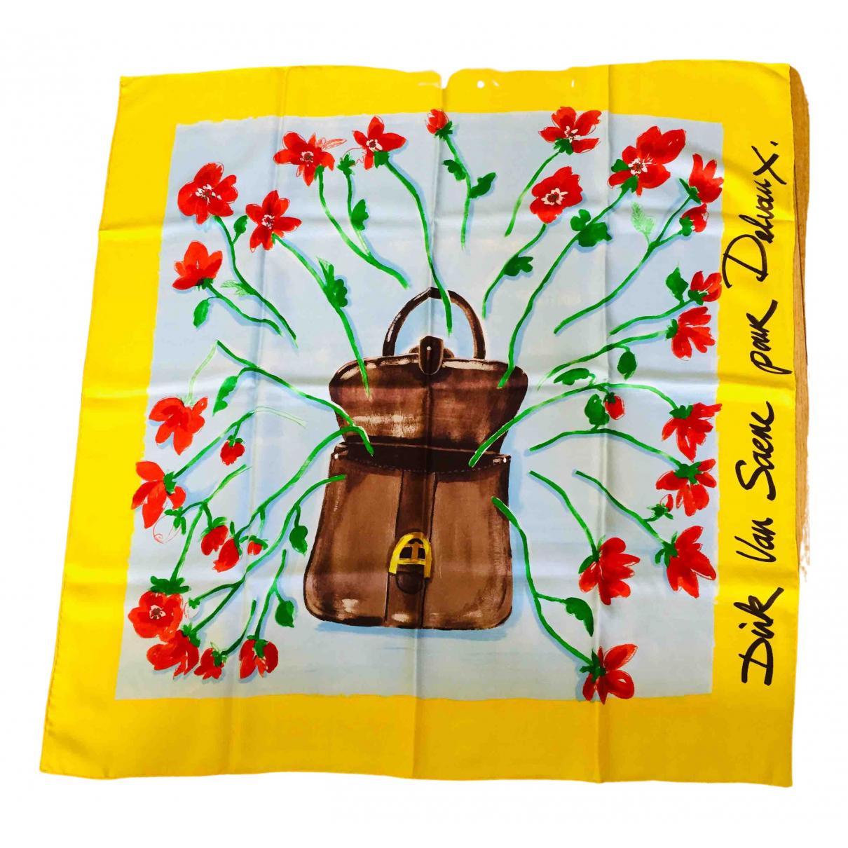 Pañuelo de Seda Delvaux