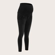 Umstandsmode einfarbige Jeans mit schraegen Taschen
