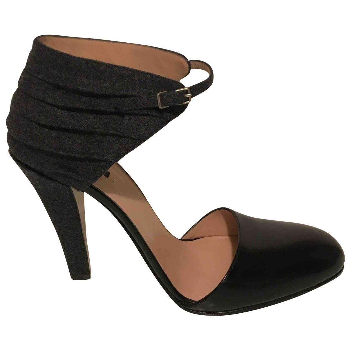 Giorgio Armani - Escarpins   pour femme en cuir - noir
