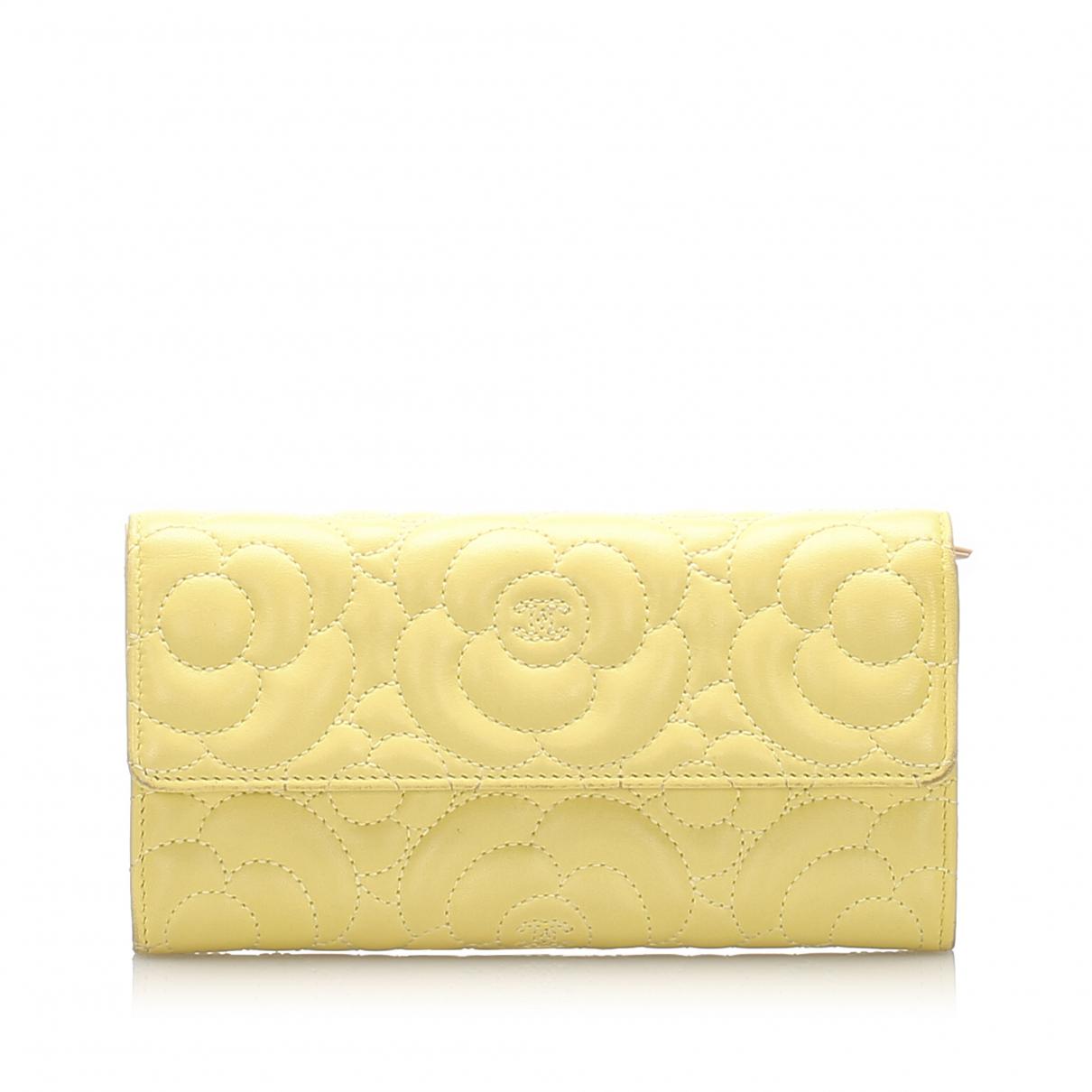 Chanel \N Portemonnaie in  Gelb Leder