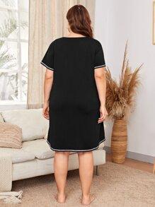Plus Pocket Notched Neck Night Dress