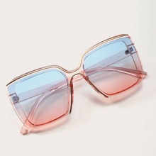Clear Gradient Lens Sunglasses With Case