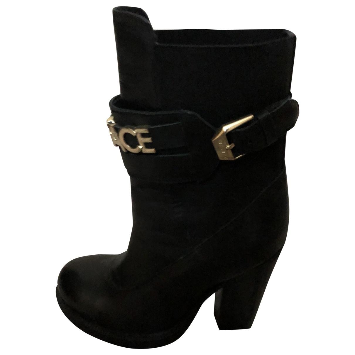Versace Jeans \N Stiefeletten in  Schwarz Leder