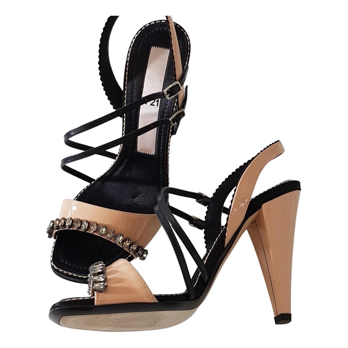 N°21 - Sandales   pour femme en a paillettes - multicolore