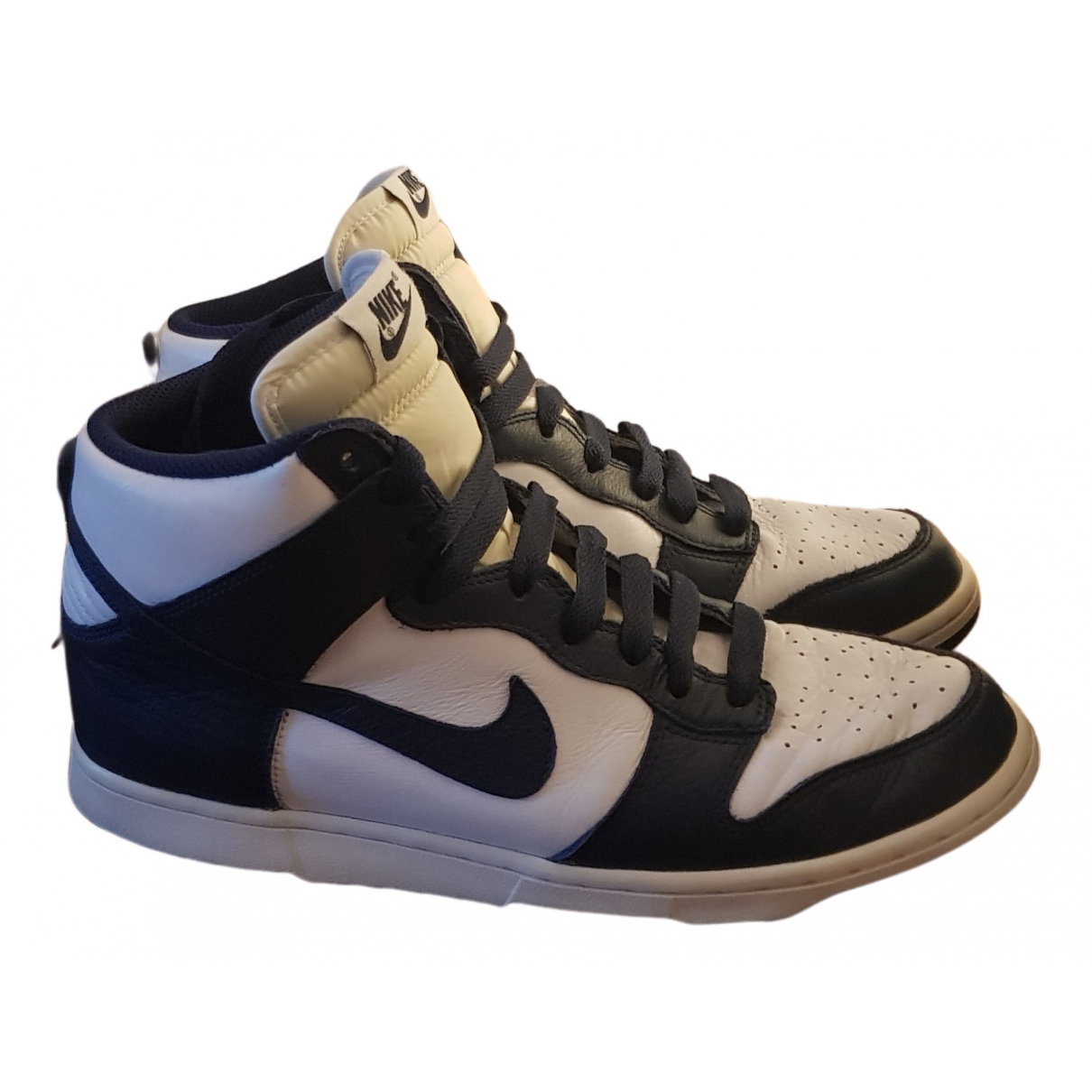 Nike SB Dunk  Sneakers in  Weiss Leder