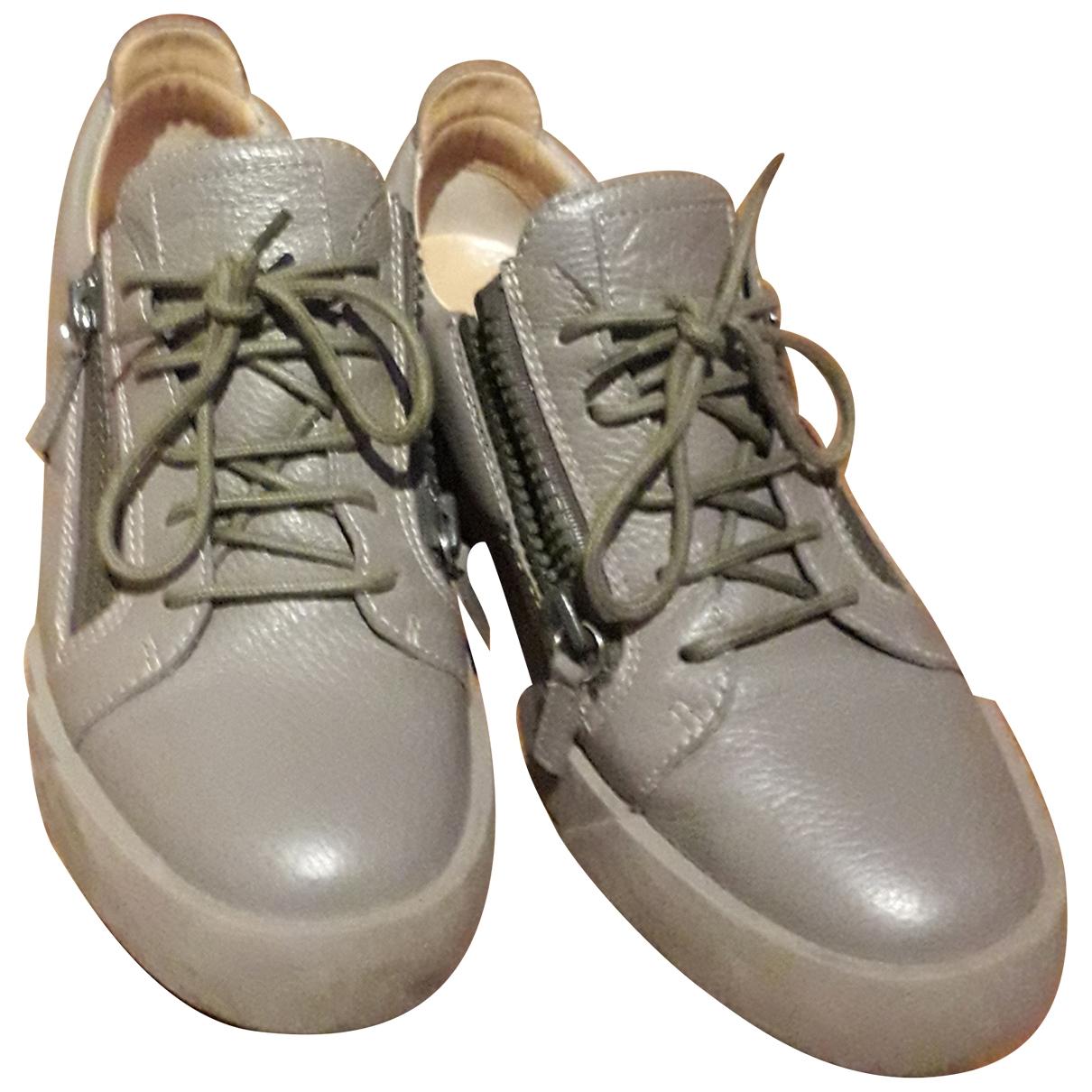 Giuseppe Zanotti \N Sneakers in  Grau Leder