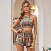 Crop Top mit Sonnenblumen Muster, Kreuzgurt, Band hinten & Shorts