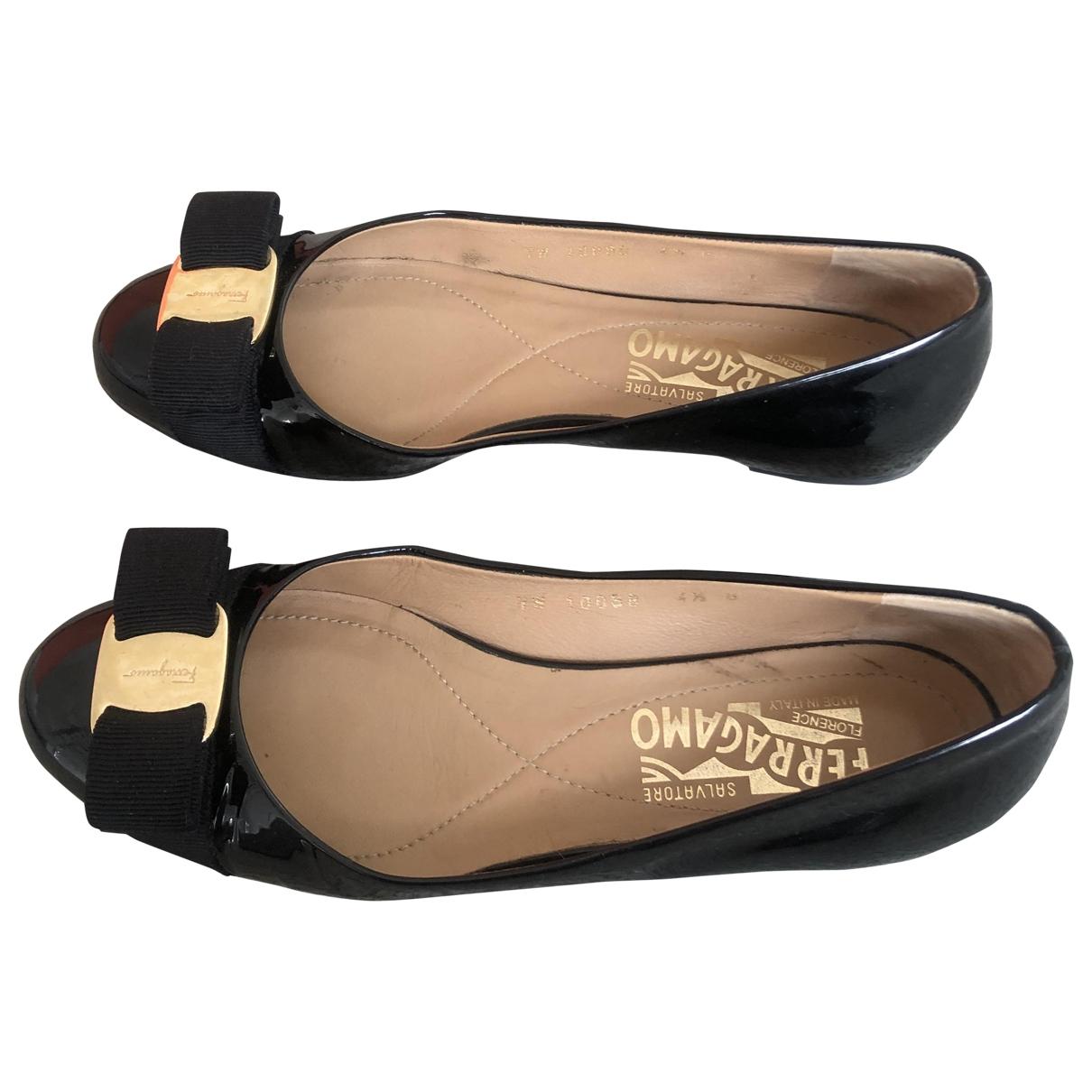 Salvatore Ferragamo \N Black Patent leather Ballet flats for Women 34.5 EU