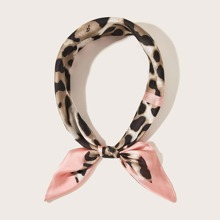 Pañuelo con estampado de leopardo