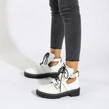 Stiefel mit gewebtem Dekor