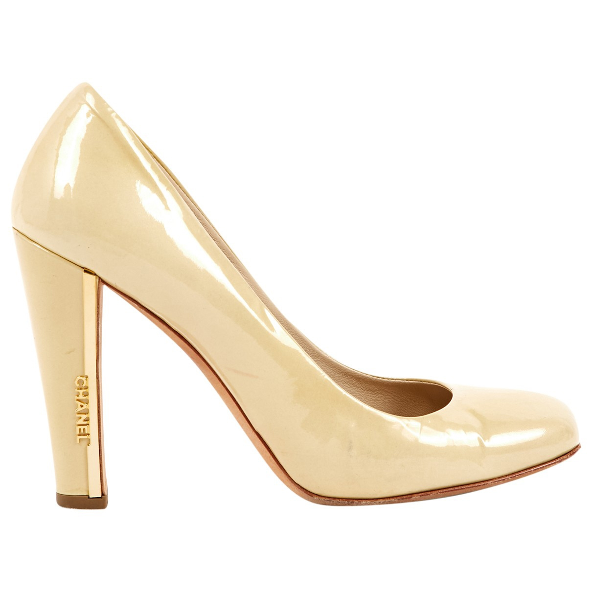 Chanel \N Yellow Patent leather Heels for Women 38 EU
