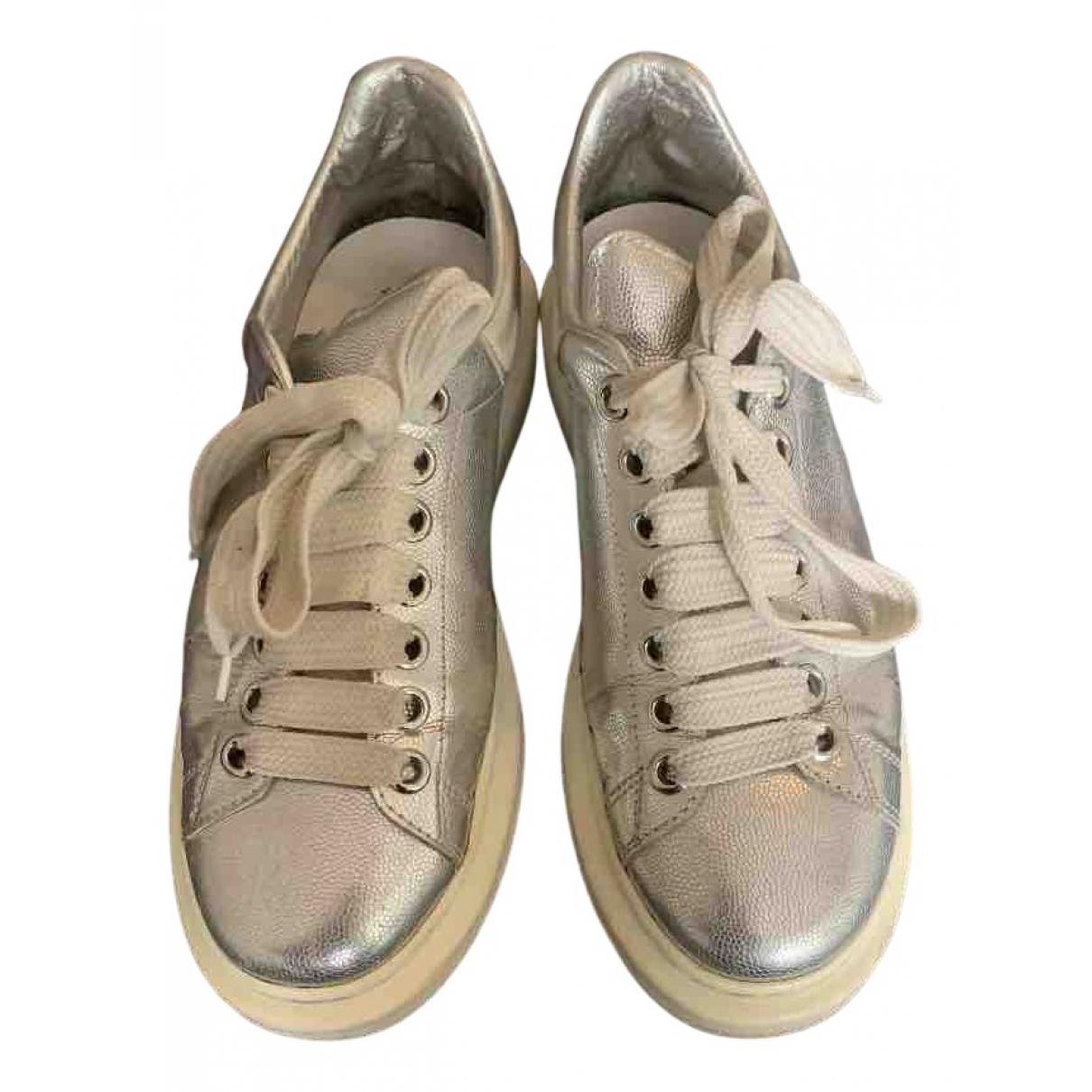 Alexander Mcqueen Oversize Sneakers in  Metallic Leder