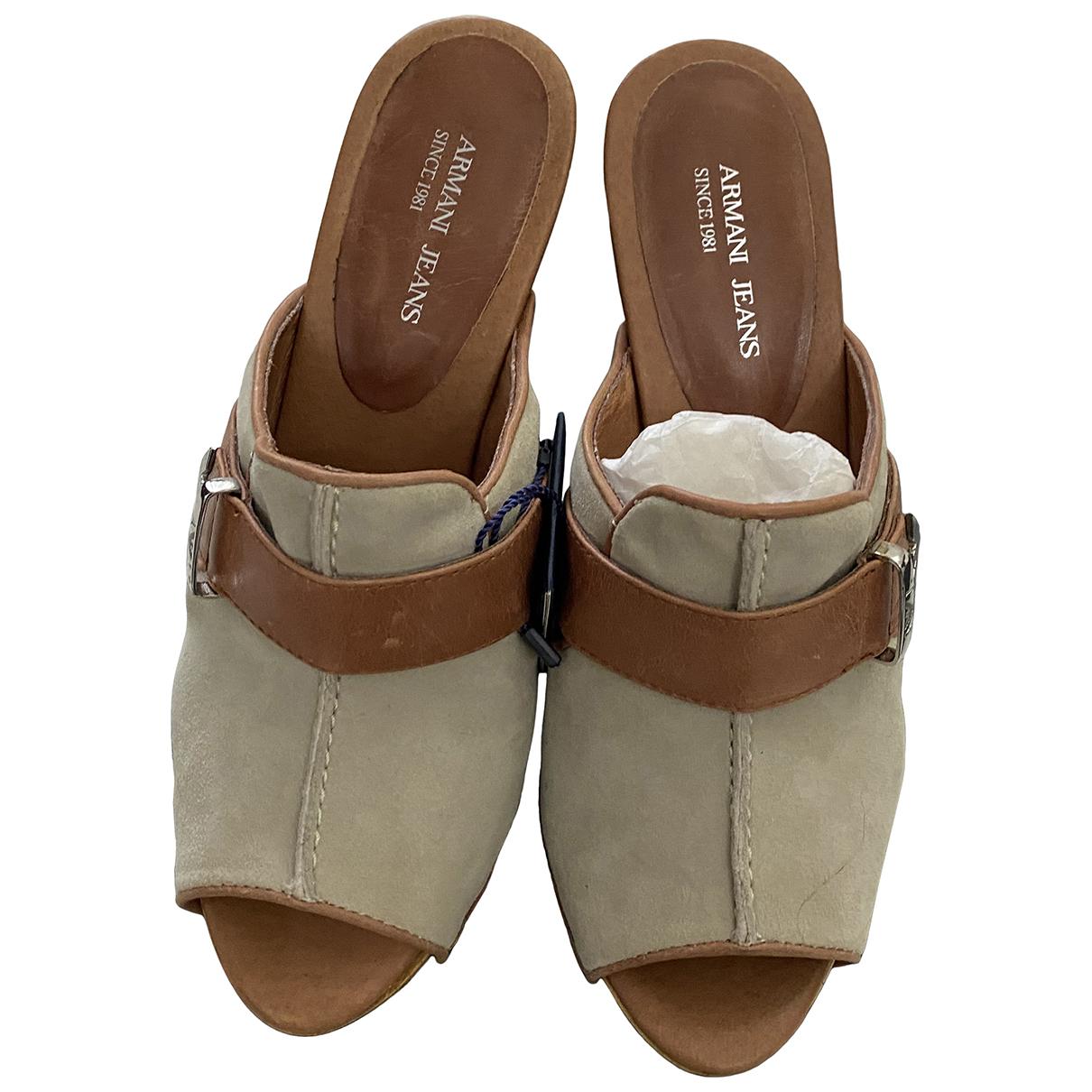 Armani Jeans \N Clogs in  Beige Veloursleder