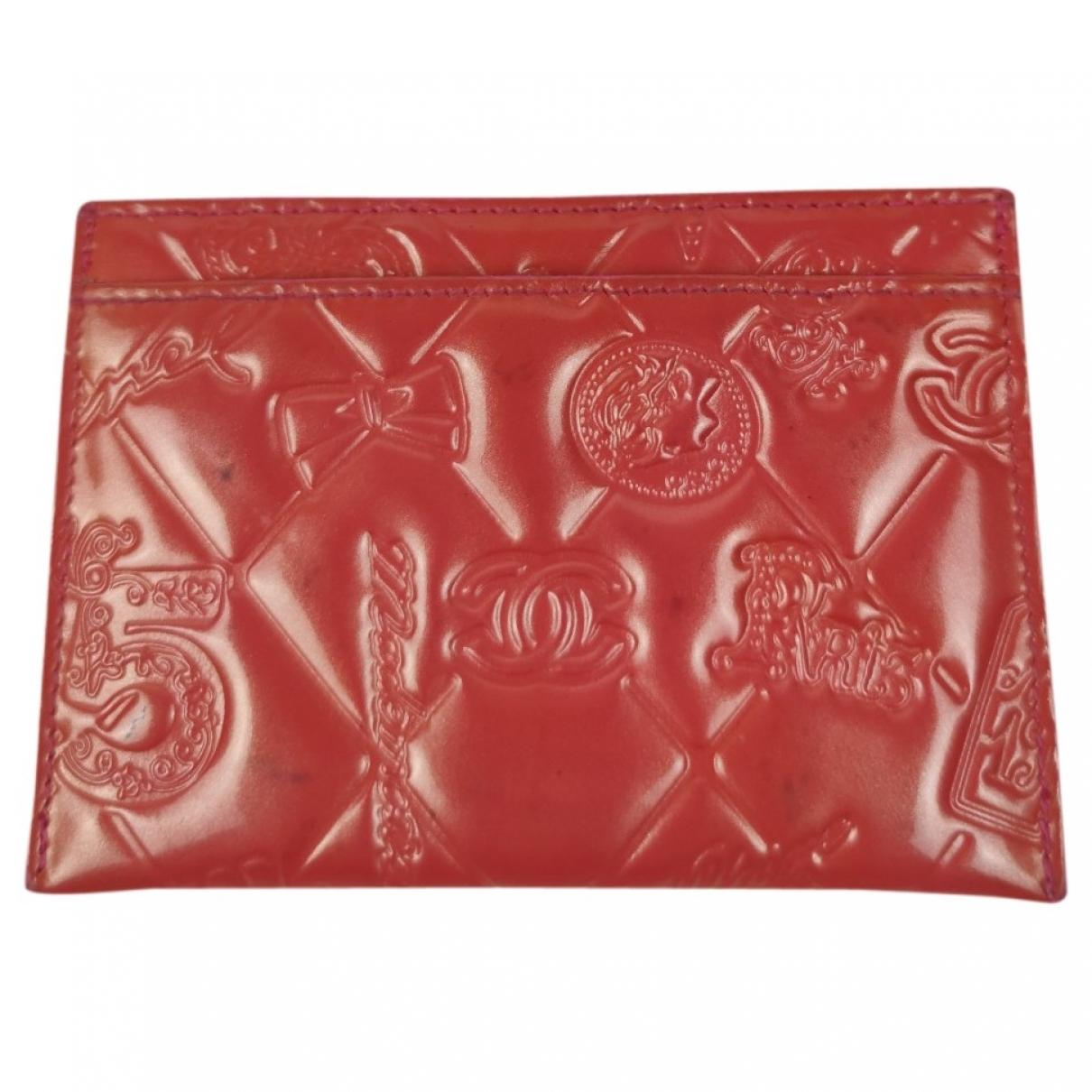 Chanel \N Kleinlederwaren in  Rot Lackleder