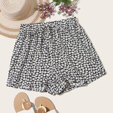 Shorts mit Blumen und weitem Beinschnitt
