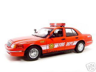 2001 Ford Crown Victoria Fire Chief Car 1/18 Diecast Model Car by Motormax