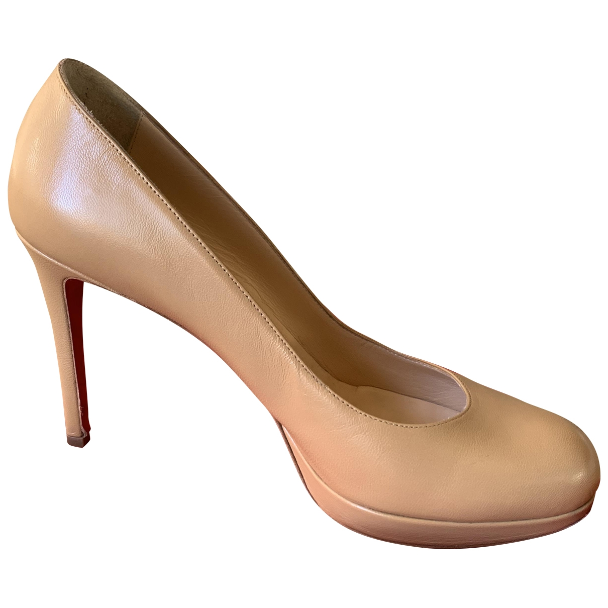 Christian Louboutin Simple pump Pumps in  Beige Leder