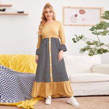 Kleid mit Schosschenaermeln und Streifen