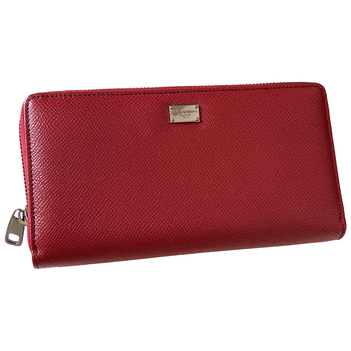 Dolce & Gabbana \N Portemonnaie in  Rot Leder