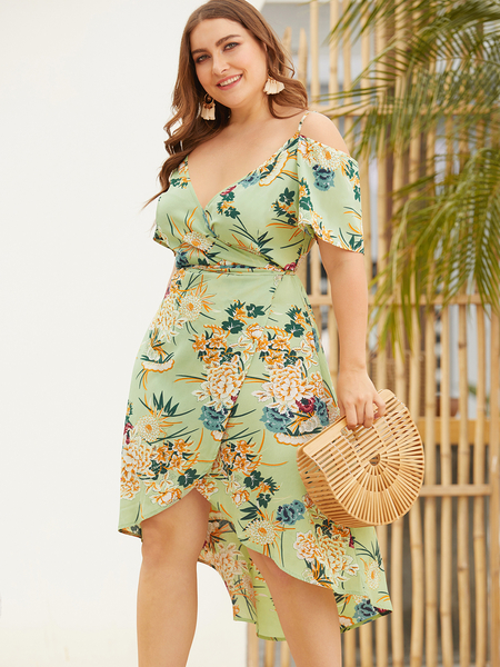 Yoins Plus Size Green Floral Print Deep V Neck Dress