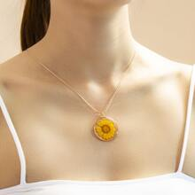Halskette mit Blumen Dekor