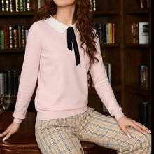 Keyhole Back Contrast Collar Sweater