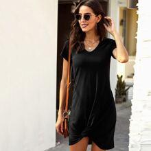 T-Shirt Kleid mit Twist am Saum und Ausschnitt