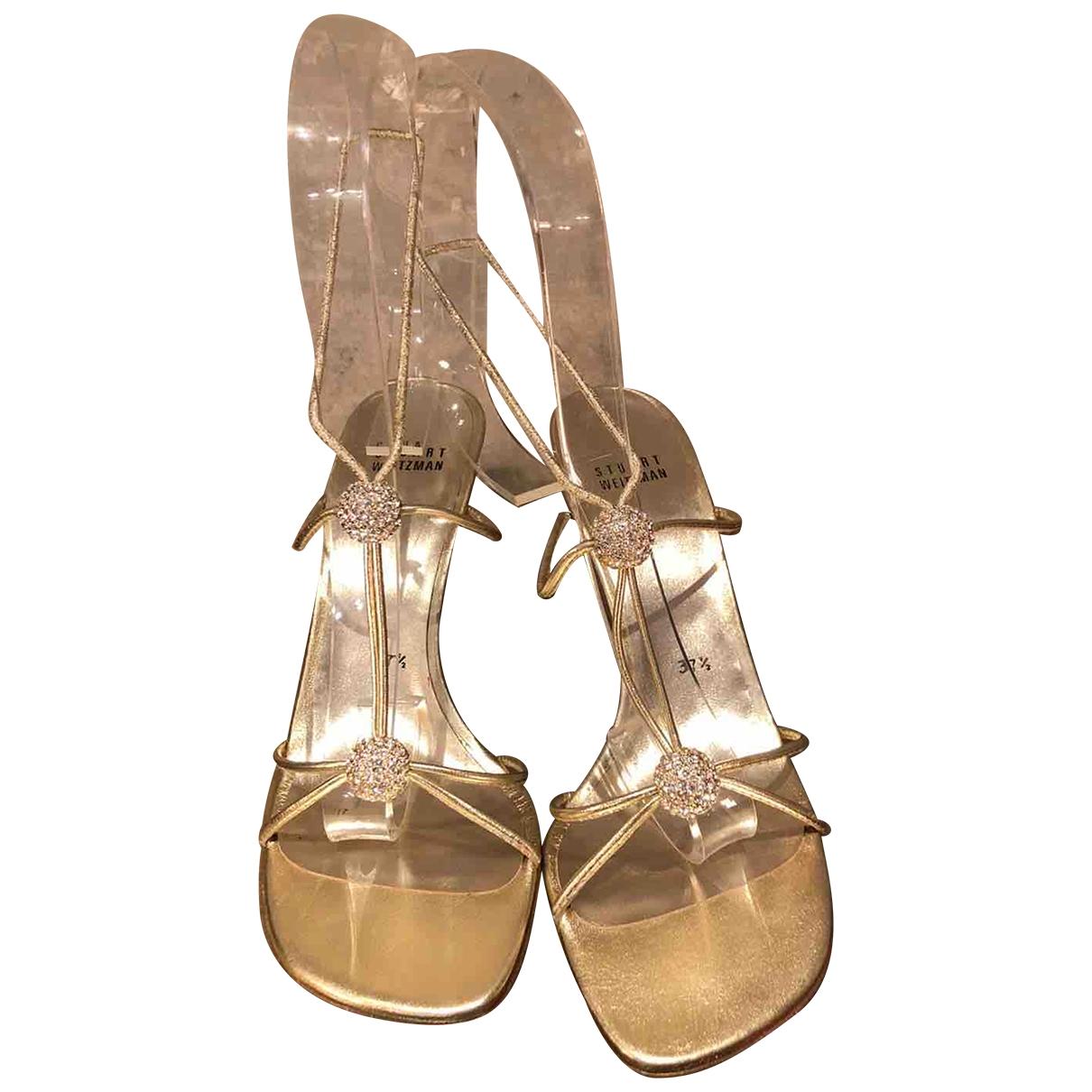 Stuart Weitzman \N Gold Leather Sandals for Women 37.5 EU
