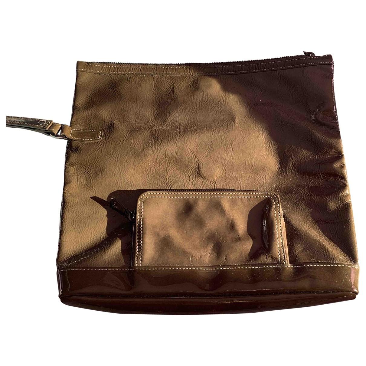Longchamp \N Khaki Patent leather Clutch bag for Women \N