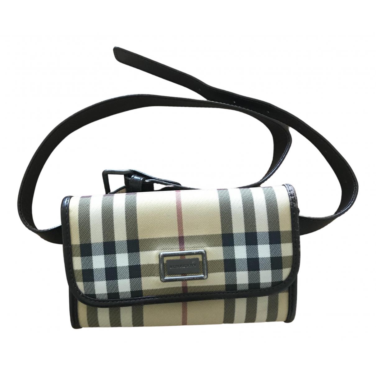 Burberry Bum Bag Clutch in  Kamel Synthetik