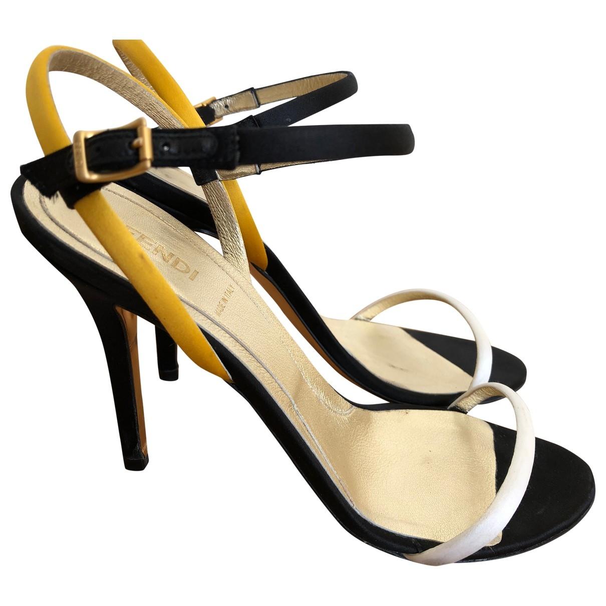 Sandalias romanas de Cuero Fendi