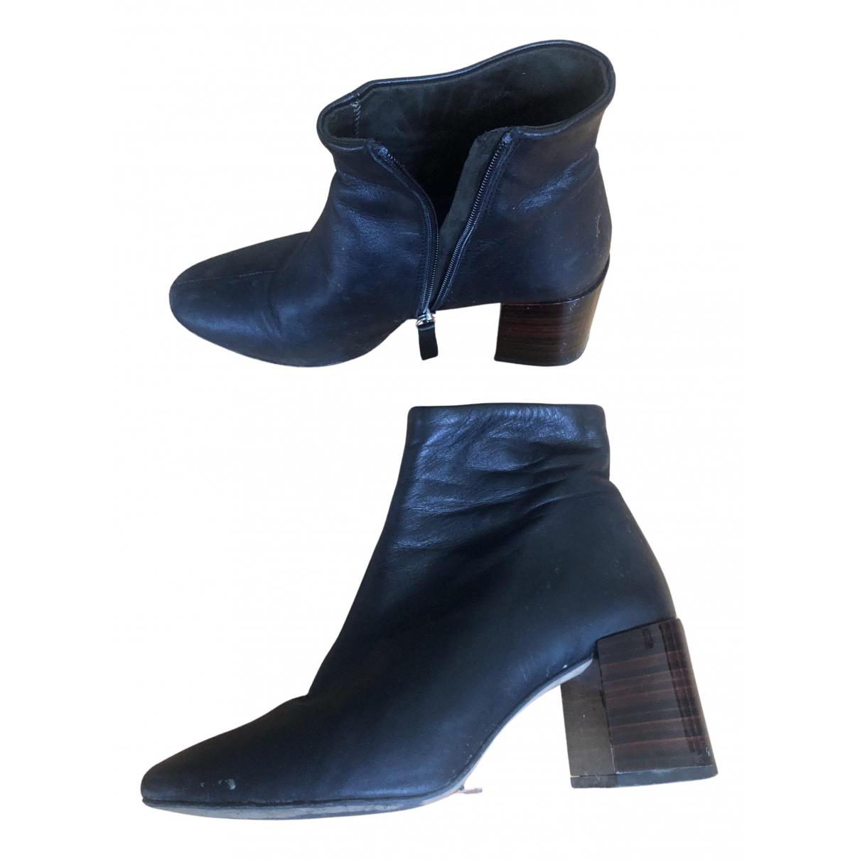 Uterque \N Stiefel in  Schwarz Leder