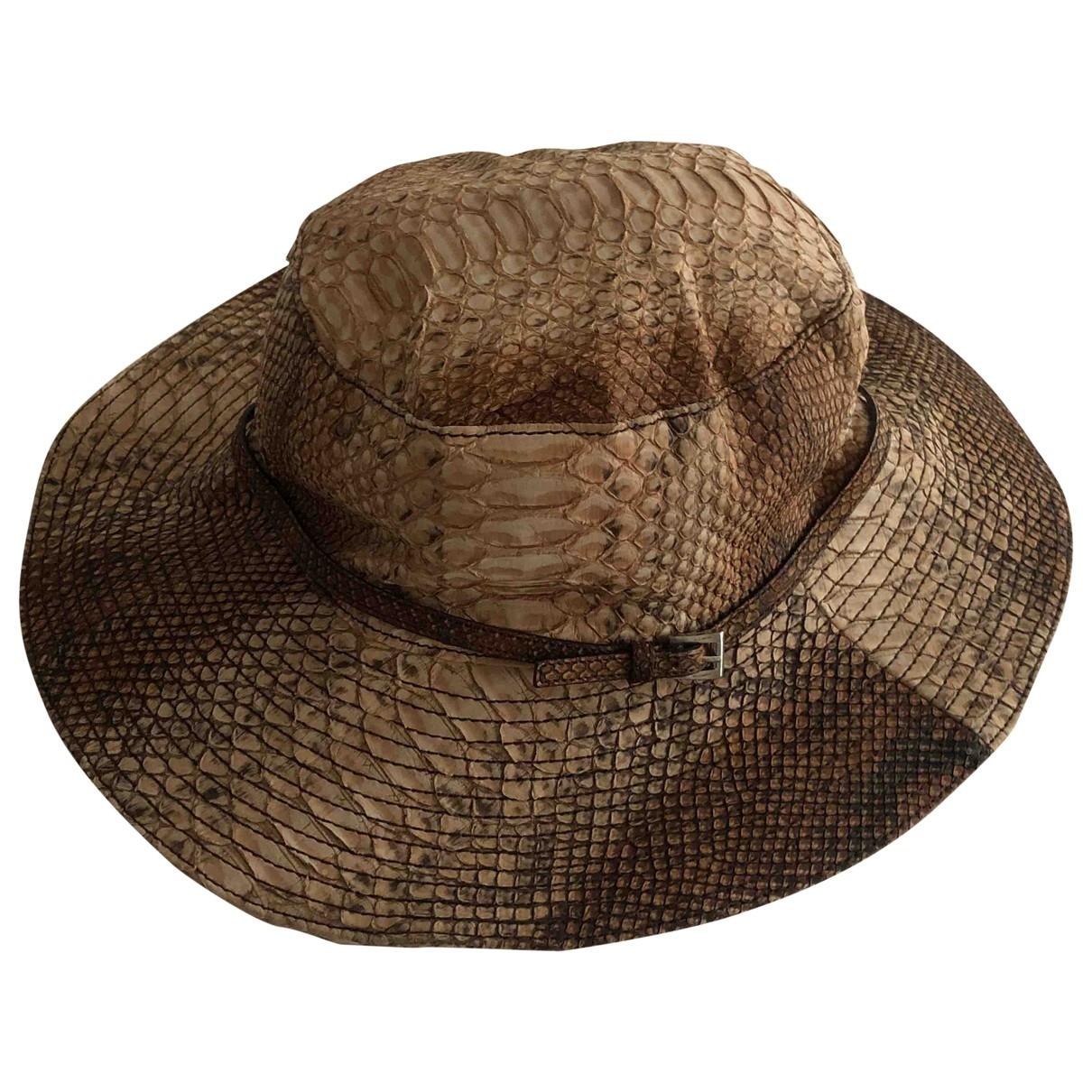 Prada - Chapeau   pour femme en cuir - beige