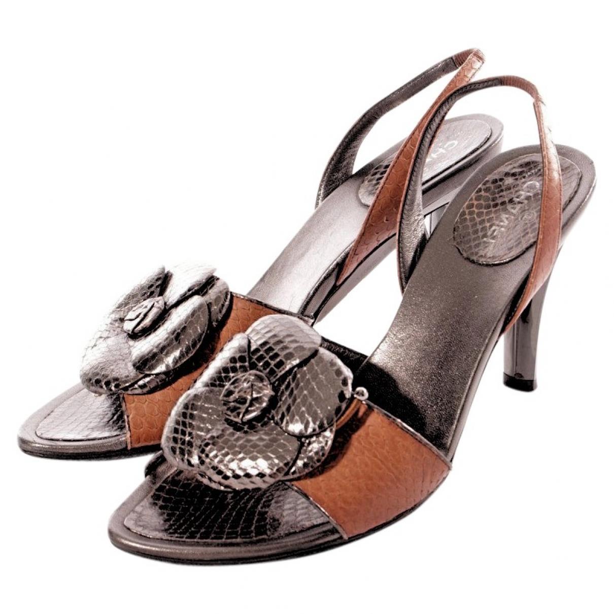 Sandalias romanas de Cueros exoticos Chanel