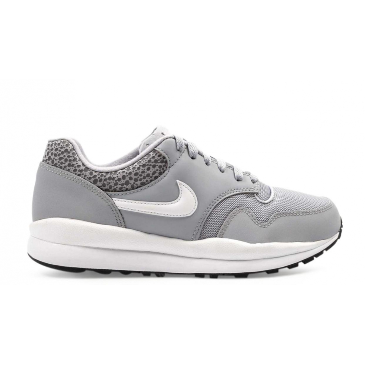 Nike Air Safari Grey Cloth Trainers for Women 7.5 US