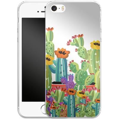 Apple iPhone 5 Silikon Handyhuelle - Cacti Land von Mukta Lata Barua
