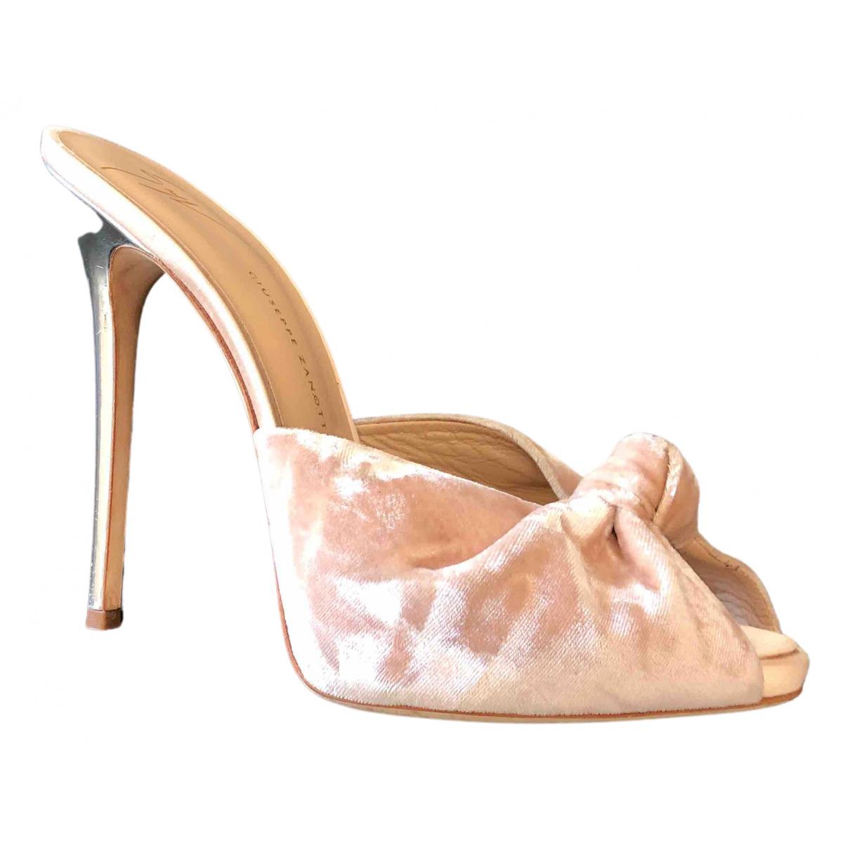 Giuseppe Zanotti - Escarpins   pour femme en velours - rose