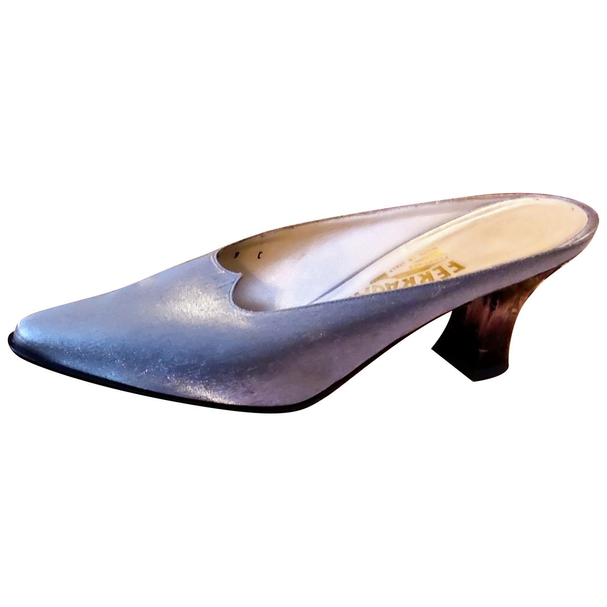 Salvatore Ferragamo \N Sandalen in  Silber Leinen