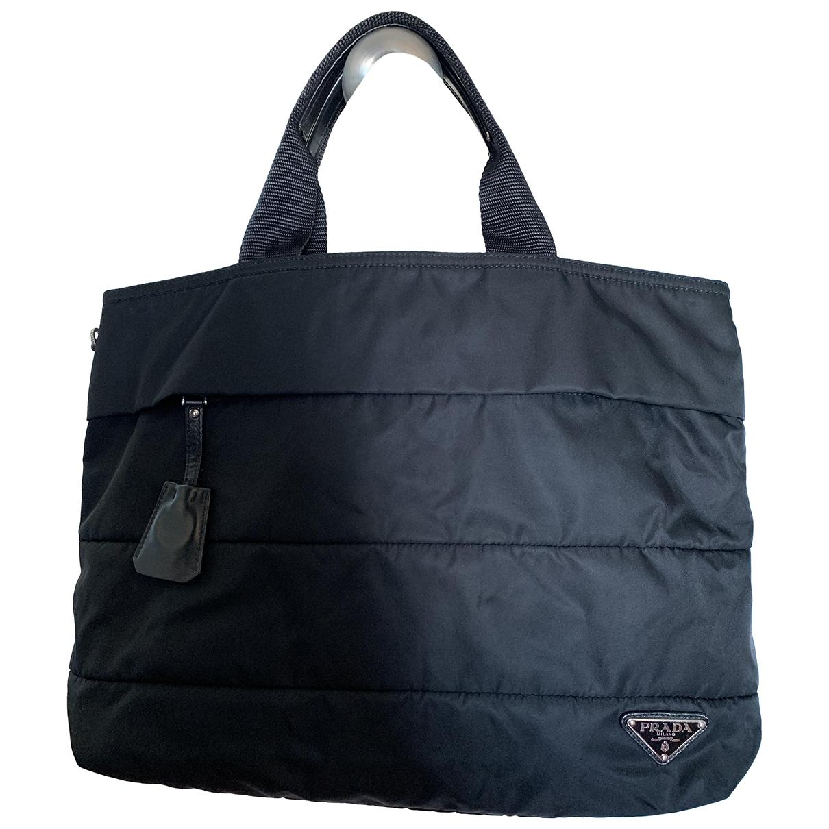 Prada Tessuto  Handtasche in  Schwarz Leinen