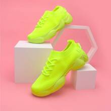 Neon Lime Strick Sneakers