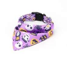 1 Stueck Hundehalsband mit Halloween Muster fuer Hunde und dreieckigem Laetzchen Design