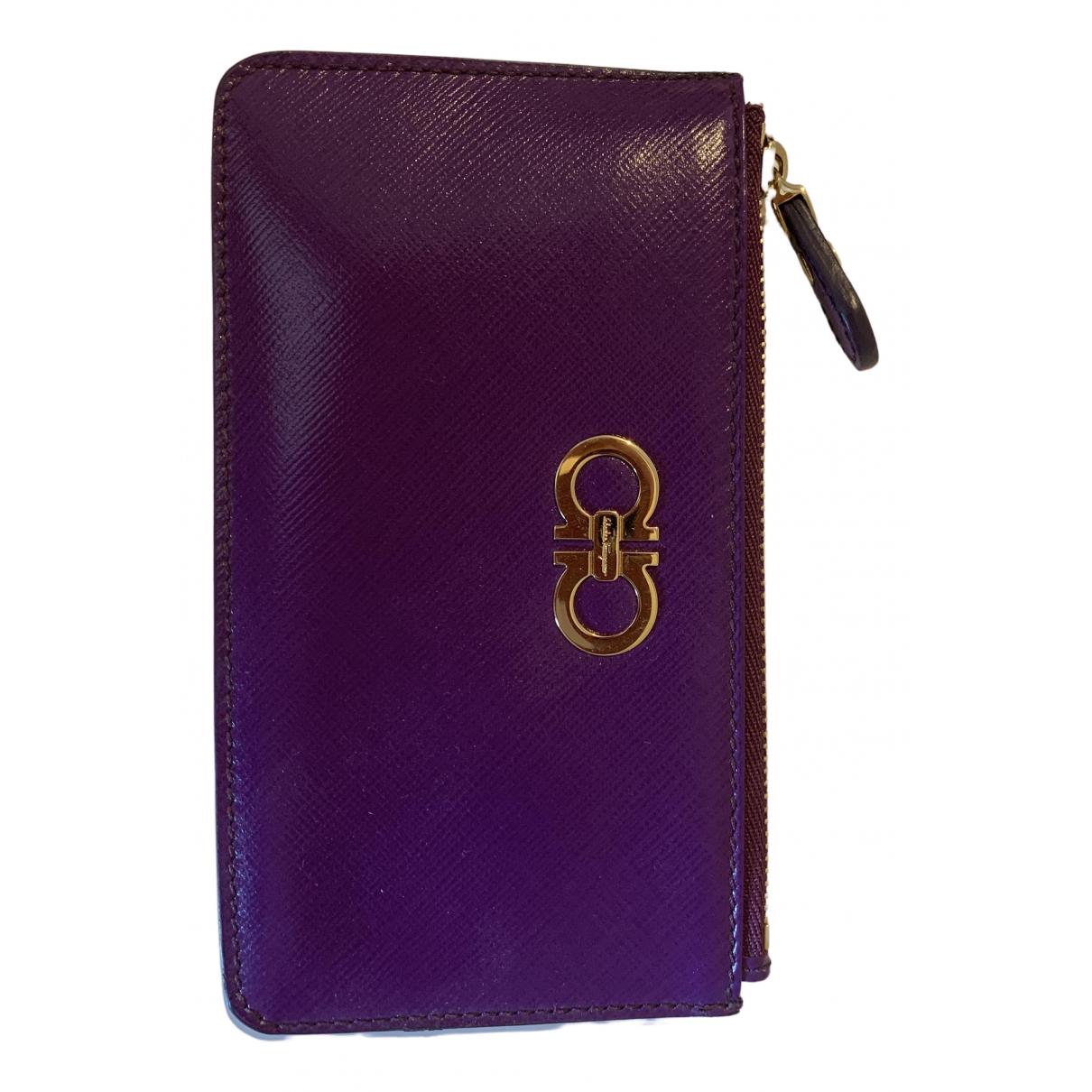 Salvatore Ferragamo - Portefeuille   pour femme en cuir - violet