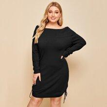 Schulterfreies Pullover Kleid mit Kordelzug und seitlichen Knoten