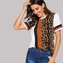 T-Shirt mit Gepard Muster und Farbblock
