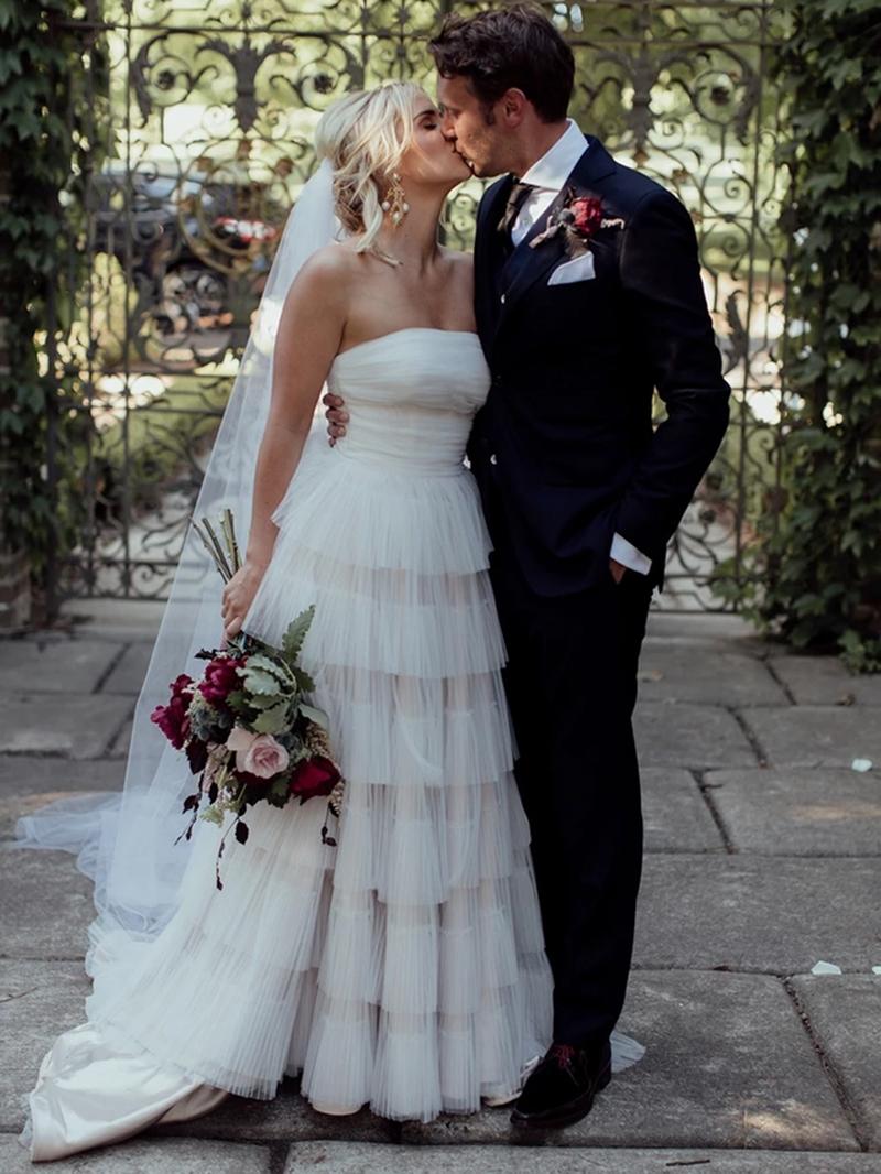 Ericdress Court A-Line Sleeveless Strapless Garden/Outdoor Wedding Dress 2020