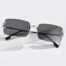 Gafas de sol con montura cuadrada