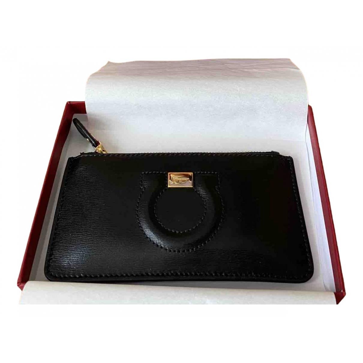 Salvatore Ferragamo - Portefeuille   pour femme en cuir - noir