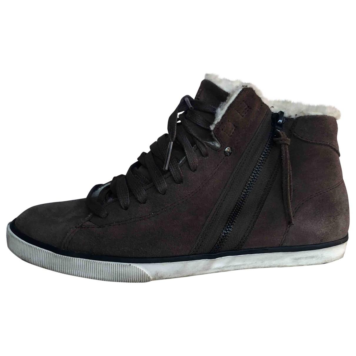 Diesel \N Sneakers in  Braun Veloursleder